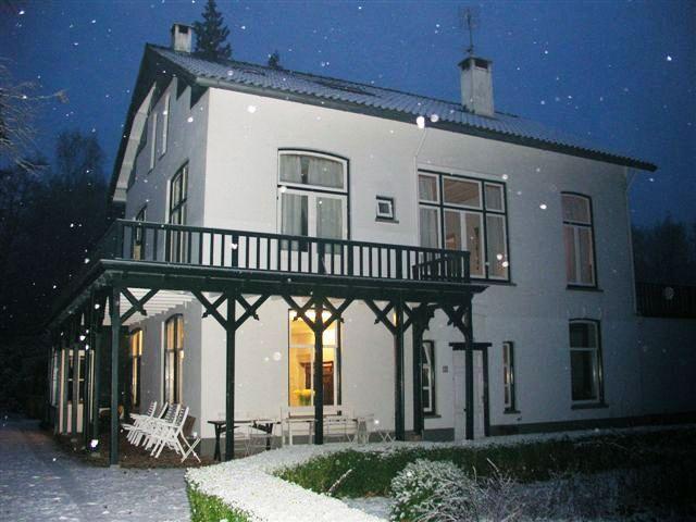 Welna grote huis in sneeuw.JPG